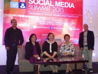 (L-R) #HealthXPh now Drs. Narciso Tapia, with the newest addition of Dr. Helen Madamba from Cebu also, Dr. Gia Sison, Dr. Iris  Isip Tan and Dr. Remo Aguilar  took centerstage for a group picture after the first  #HCSM summit in Cebu